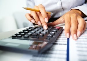 The Difference Between an Accountant and a Bookkeeper